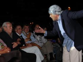 PAez Vilaró viendose reflejado en la caracterización de Pinocho Sosa