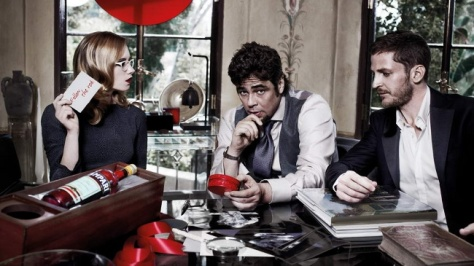 CAMPARI_CALENDAR_2011_The_Red_Affair_01_JANUARY_The_Message