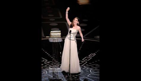 La actriz al inicio de la premiación, con un Givenchy