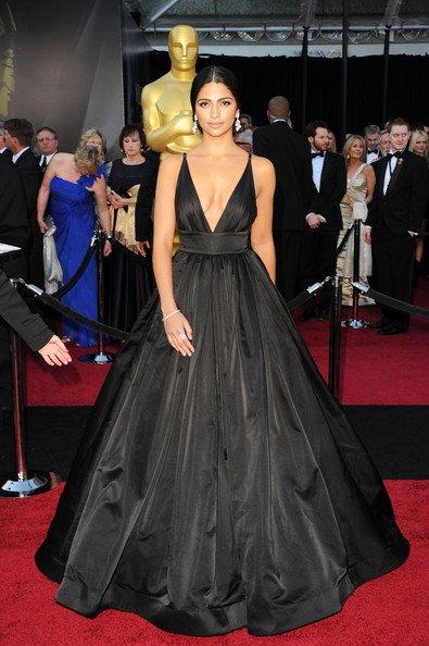Camila Alves, mujer de Matthew McConaughey, en un vestido de Kaufman Franco