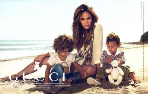 Jenniffer Lopez y sus hijos, para Gucci