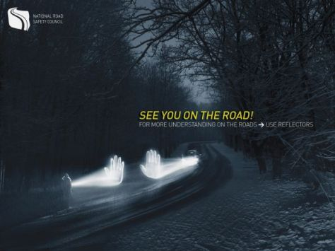 National Road Safety Council, Polonia. Nos vemos en el camino! Para un mayor entendimiento en las carreteras - Utilice reflectores