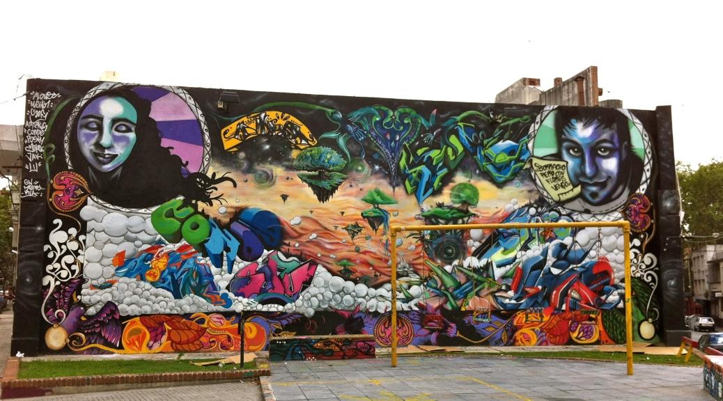 MAravilloso mural en la plazoleta de la conjunción de Charrúa, E. Frugoni y Yaro