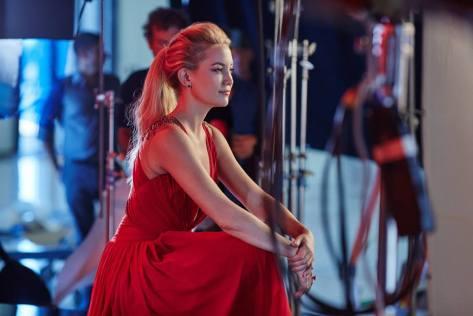 Kate-Hudsoncalendario-Campari-de-201621
